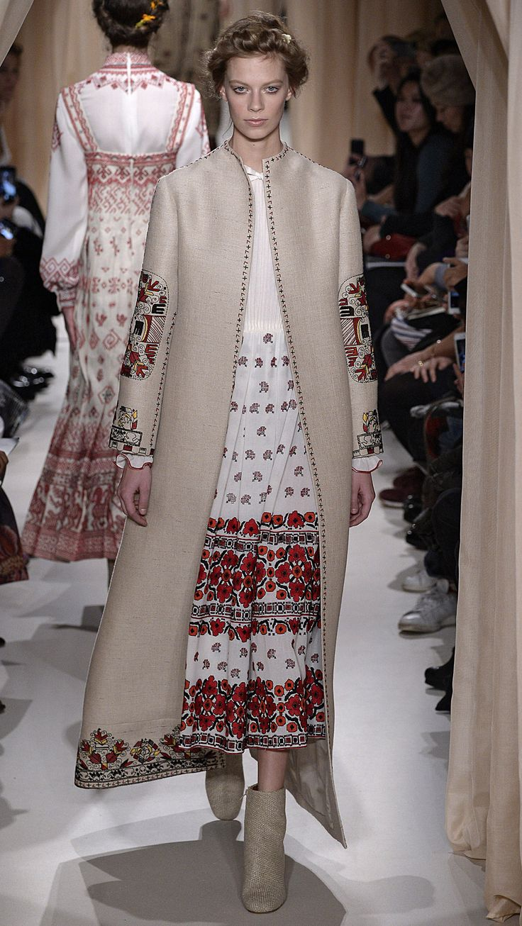 Valentino Haute Couture Spring/Summer 2015 via @stylelist | http://aol.it/1zypPZs