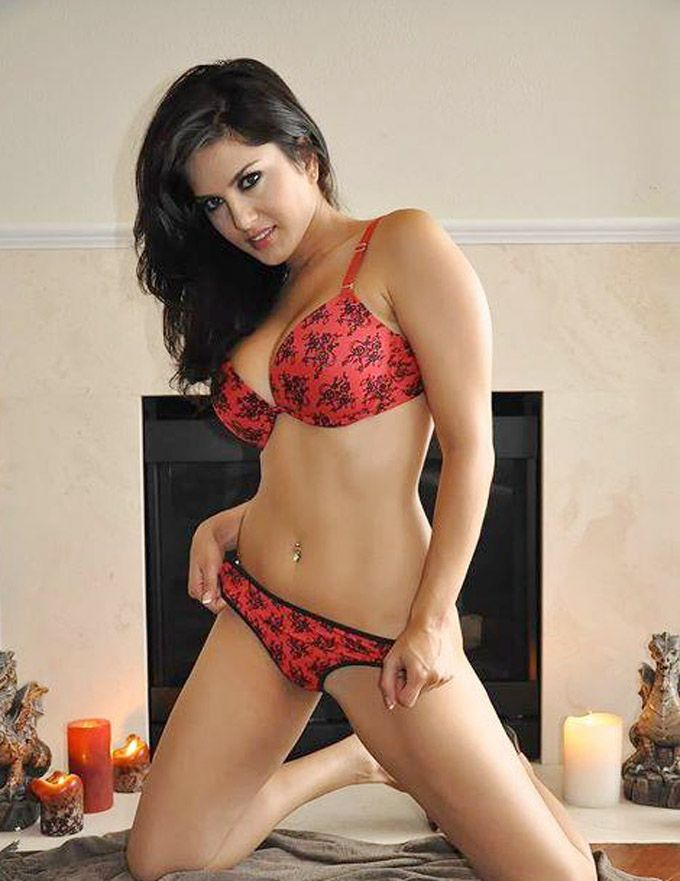 54 Best Sunny Leone Hot Photos In Bikini Images On -3235