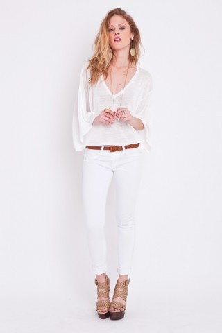 someday i will find magic white jeans that look good on me . . . these just might be the ones
