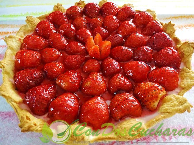 ConDosCucharas.com Pastel de fresas fácil - ConDosCucharas.com