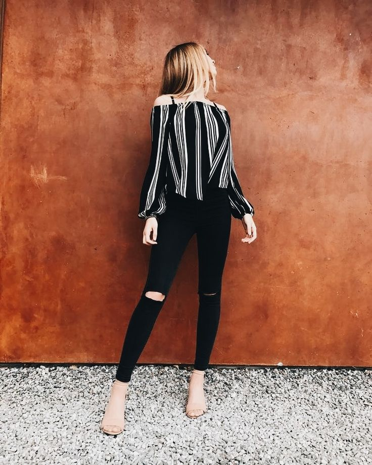 Casual dinner outfit: off the shoulder striped top with black skinny jeans.