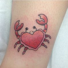 Crab tattoo done by Rhiannon Hustwayte. Kingston True Tattoo http://truetattoolondon.com/