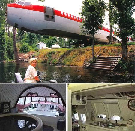 The Boeing 727 House, a weird house in Benoit (Mississippi, USA). The plane set Joanne Ussary back 2,000.00, cost 4,000.00 to move, and 24,000.00 to renovate. The stairs open with a garage door remote, and one of the bathrooms is still intact. And let's not forget the personal jacuzzi in the cockpit.
