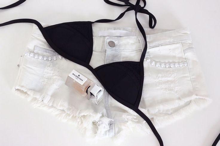 Bikini-Delta-Dimension-Short-blanc-destroy-skull-Zadig-et-Voltaire-Parfum-Balenciaga