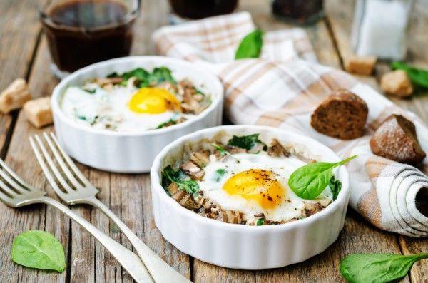 Запеканка из яиц, шпината и грибов, ссылка на рецепт - https://recase.org/zapekanka-iz-yaits-shpinata-i-gribov/  #Вегетарианскиерецепты #Диетическиерецепты #Кашиизапеканки #Рецептыдлядиабетиков #блюдо #кухня #пища #рецепты #кулинария #еда #блюда #food #cook