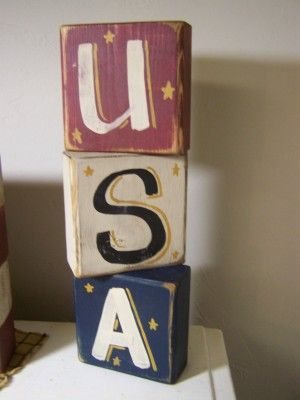 ♥ ☆ U S A sign is red white and blue with gold star accents.  Made from pine these stacking blocks made a great patriotic Americana shelf sitter. ☆ (4th of July)