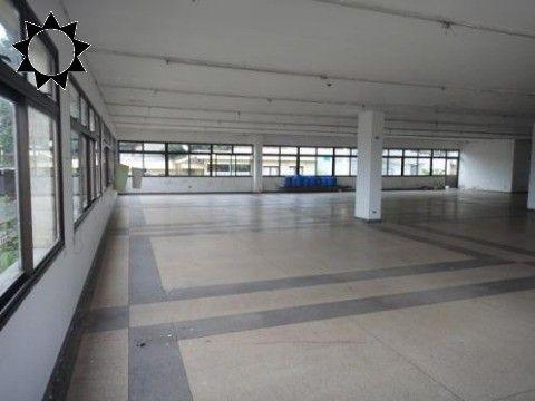 PRÉDIO para Venda JABAQUARA, SÃO PAULO R$ 14.300.000,00 Moderno prédio comercial em local privilegiado que será brindado com uma bela e permanente vista para o futuro Parque Linear da Operação Urbana Água Espraiada, a apenas 250m da futura Estação Vila Babilônia do Metrô- Linha 17 Ouro e a 200m da entrada do túnel que ligará a Avenida do Parque diretamente à Rod. dos Imigrantes. Prédio administrativo 3.133 m² e galpão de 1.595 m², elevador de carga, estacionamento, guarita.