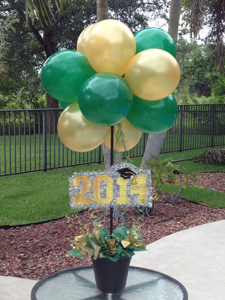 Green and gold balloon centerpieces for a baylor graduation party baylor graduation for Graduation pinterest