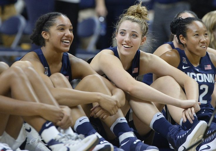 U-Conn. women are not No. 1 in AP poll despite last four titles, 75 straight wins