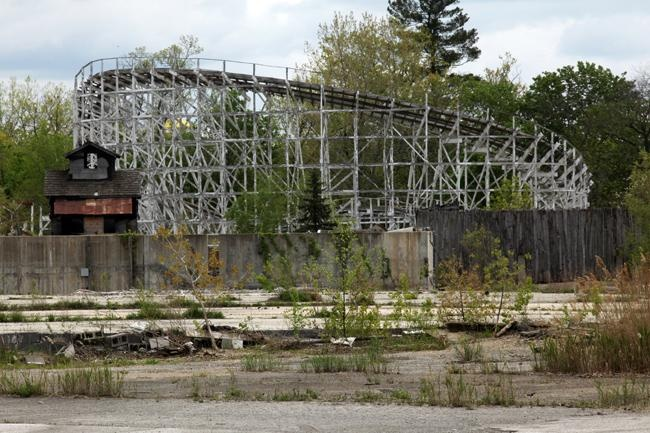 Neighbors still wonder what will become of former Geauga Lake Amusement Park property (with video) - news-herald.com