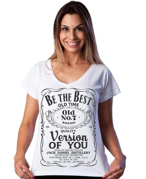 Camiseta branca confeccionada em malha 100% algodão, estampada artesanalmente com silk a base de água.  Estampa na cor preta.   Prazo para confecção de 3 a 5 dias úteis, a contar da confirmação do pagamento.  Tamanhos disponíveis: P, M, G e GG. Consulte a tabela de medidas, para escolher o tamanho correto da sua camiseta.  GOSTOU DESSA ESTAMPA MAS PREFERE COM OUTRAS CORES, OU EM OUTRA COR DE CAMISETA? NÓS FAZEMOS! É SÓ ENTRAR EM CONTATO! R$ 39,00
