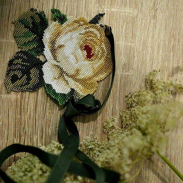 "111 Likes, 5 Comments - Фея Драже (@nepinka_) on Instagram: ""Blooming fingers #ring #ringband #peyotering #flowerring #peyote #floralring #etsy…"""
