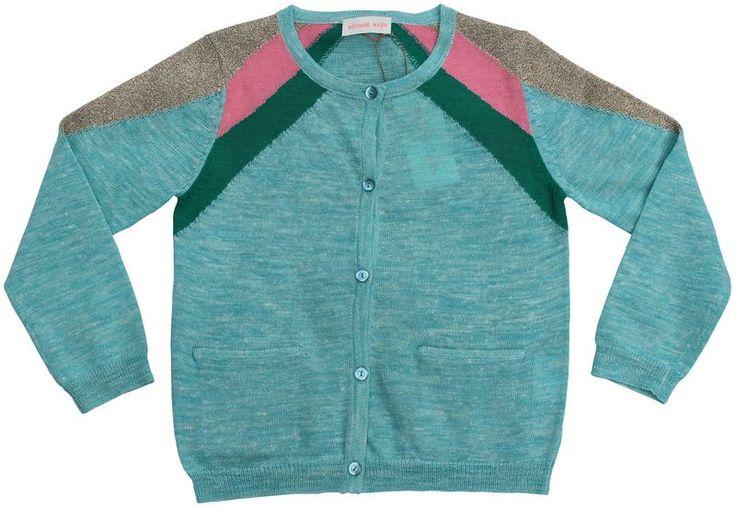Wondermooie cardigan in een mooie turkooise melange. De mouwen hebben een groene en snoepjesroze streep en een gouden lurex streep. 45% linnen/42% polyester/10% katoen/3% metaaldraad.