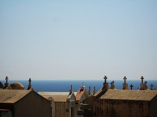Cimetière marin de Bonifacio © Fikra