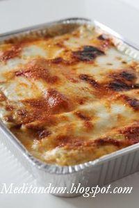 I cannelloni di ricotta e spinaci sono un piatto perfetto per le feste perché si possono preparare in anticipo e conservare in frigorifer...