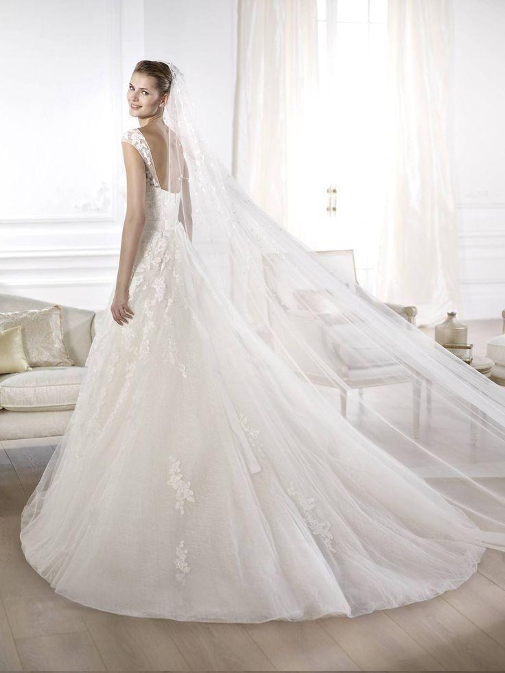 Ofira - Pronovias 2015 kollekciók - Esküvői ruha szalon - Menyasszonyi ruha kölcsönzés