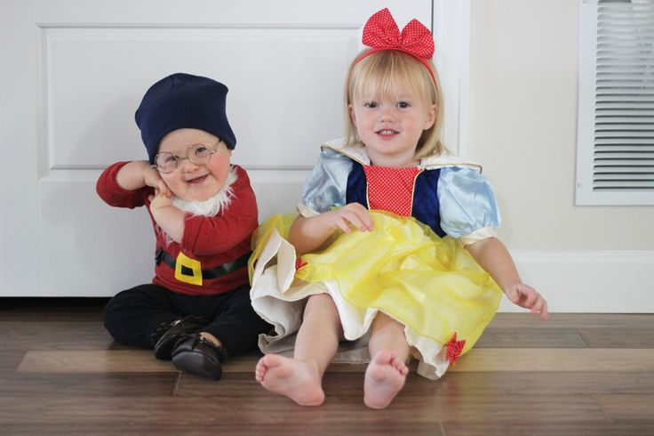 This is my absolute favorite Halloween costume of all time.  This costume is a perfect brother sister costume, especially if you have a little girl with multiple brothers.  Such an easy and simple Halloween costume to put together.