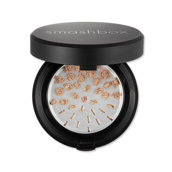 Everything Is Illuminated: Our Favorite Highlighters, Luminizers, and Bronzers - Smashbox HALO Hydrating Perfecting Powder from #InStyle