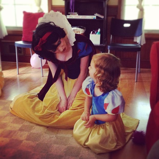 DIY snow white costume with tutorial