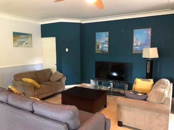 Kingston 6 rental opportunity! This centrally located apartment is ideal for anyone looking to be in Kingston's city centre in a comfortable setting.