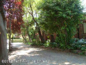 Casa En Venta En Santiago, La Reina, Chile, CL RAH: 15-177