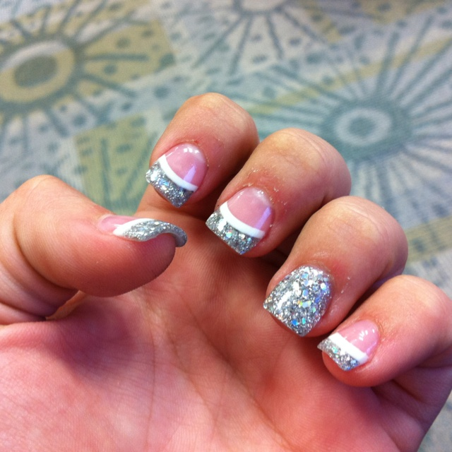 Elegant Silver Nails For Prom: Best 25+ White Sparkle Nails Ideas On Pinterest