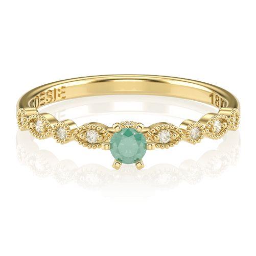 O Anel de Noivado Destiny combina o clássico design dos anéis solitários, praticamente sinônimos de pedido de casamento, com um delicado aro granular