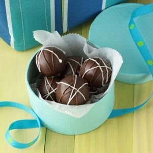 French Kiss Truffles - I don't usually like sweets, but these kinda sound good!!