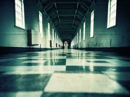 Ci sono sempre falsi profeti. Ma nel caso della psichiatria è la profezia stessa ad essere falsa, nel suo impedire, con lo schema delle definizioni e classificazioni dei comportamenti e con la violenza con cui li reprime, la comprensione della sofferenza, delle sue origini, del suo rapporto con la realtà della vita e con la possibilità di espressione che l'uomo in essa trova o non trova. (in Follia/Delirio in Scritti, 1982
