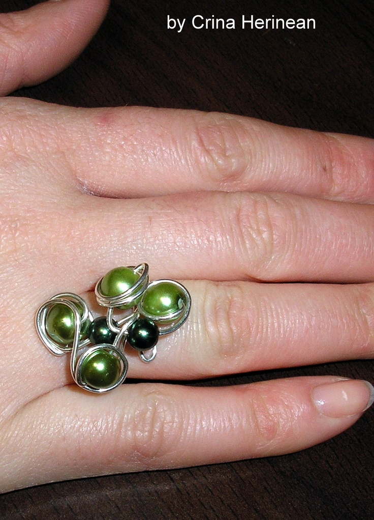 wire green ring