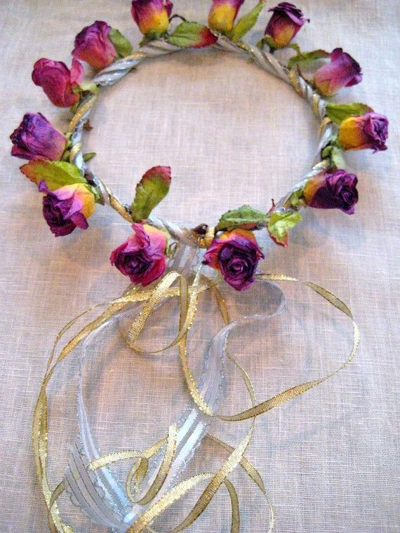 Perfect -saw lots of ladies wearing something like this in Glastonbury last Beltane