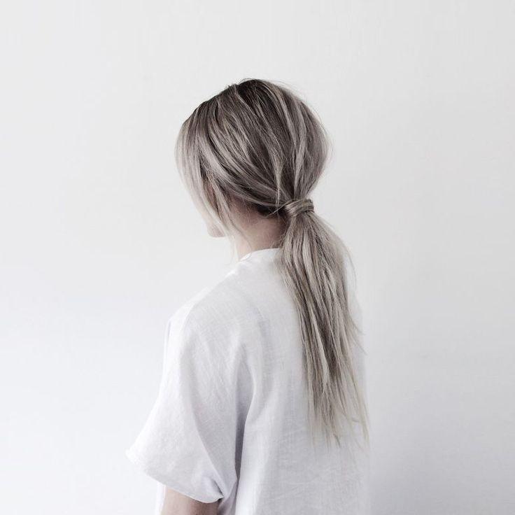Edit: Lian / Fashion Hoax Ik draag mijn haar eigenlijk nooit omhoog en dat heeft mede te maken met het feit dat ik een staartje of knot gewoon wat saai vind. Herkenbaar? Ik spot al een tijdje allemaal gave haar up-do's op Pinterest en ik dacht 'Die moet ik delen!'. Een beetje haar inspiratie is …