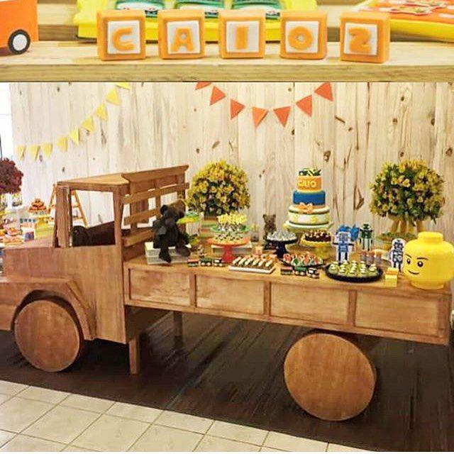 Festa linda com tema Brinquedos por @iceeventos! Essa mesa é demais!  #kikidsparty