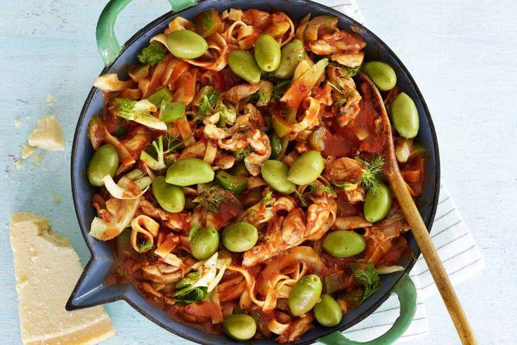 8 november 2017 - Venkel en tagliatelle in de bonus - Kip en venkel in pittige tomatensaus - Recept - Allerhande