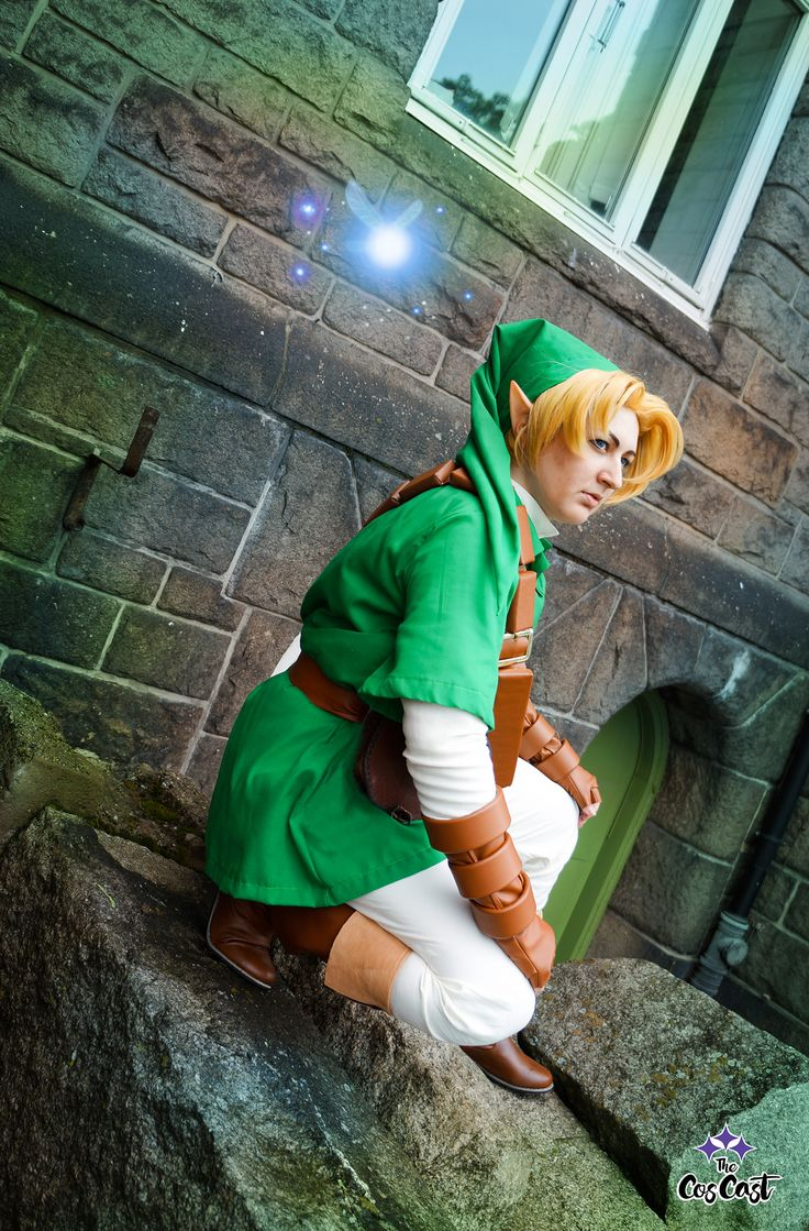 Link Cosplay from The Legend of Zelda: Ocarina of Time. Cosplay by Pixiedust Cosplay. Photo by Annabella Cosplay.