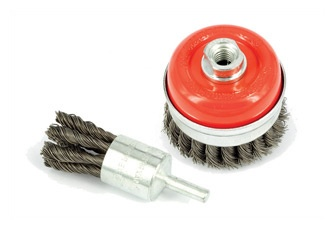 www.consigliaobrasivi.com Wire brushes A wide range of steel and stainless steel wire brushes for finishing of welding seams is available and in stock, along with products to remove scale, paint, rust, calamine and other contaminations. We are available to help you in finding the right tool for your application.