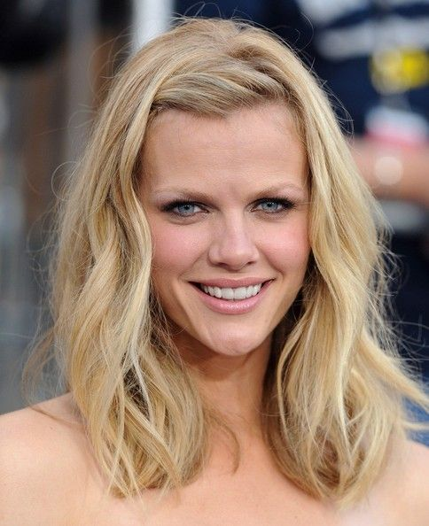 """Brooklyn Decker at the """"Battleship"""" premiere - this is a great way to style your bangs to get them out of the way"""