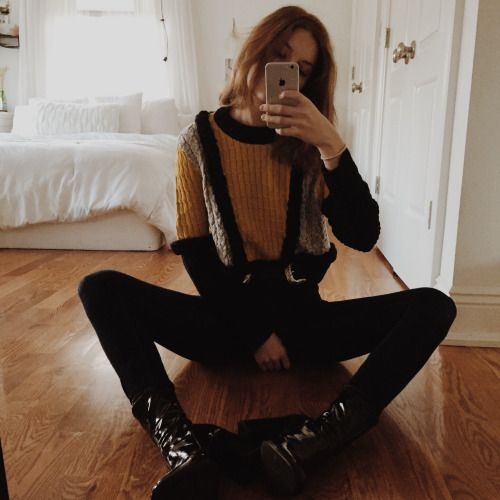 Grasshopper legs on New Year's Eve!!!! In love with this @forloveandlemons sweater 🤗 and in love with you guys for supporting me so much. I'll probably make another sappy post but just know that I love y'all and thank you so much 😌 #myfll - Ootd: for...