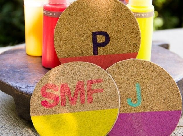 Personalized Place Cards / Soleil Moon Frye's 9 Favorite DIY Projects For The Whole Family (via BuzzFeed)