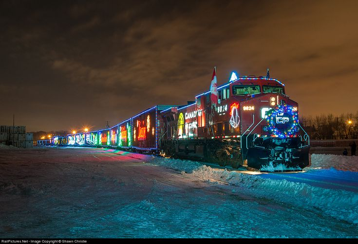 RailPictures.Net Photo: CP 9824 Canadian Pacific Railway GE AC4400CW at Minneapolis, Minnesota by Shawn Christie