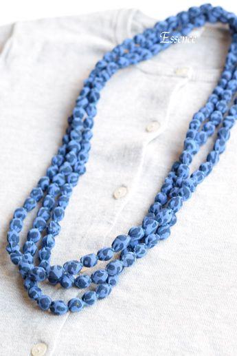 ボールネックレスの出来上がり225cm。2連~4連で使用する長さです。出来上がりの重さが50gぐらいと軽いので、首や肩が楽です。< 材料 >布: 5cm幅...