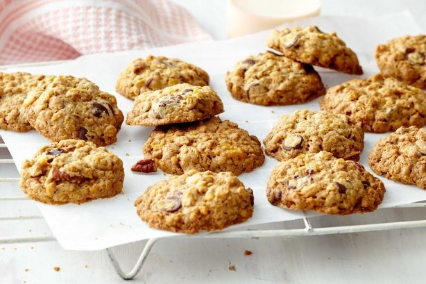 These crunchy Gluten free cornflake choc chip cookies make fantastic after-school treats.