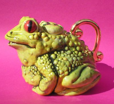 Tea for Toad teapot by Andy Titcomb, via Flickr