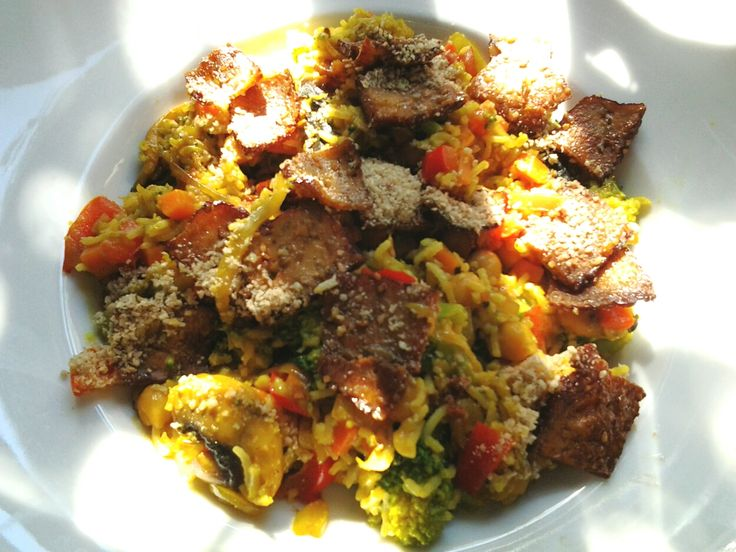 Gewürzreis mit Gemüsecurry + Räuchertofu