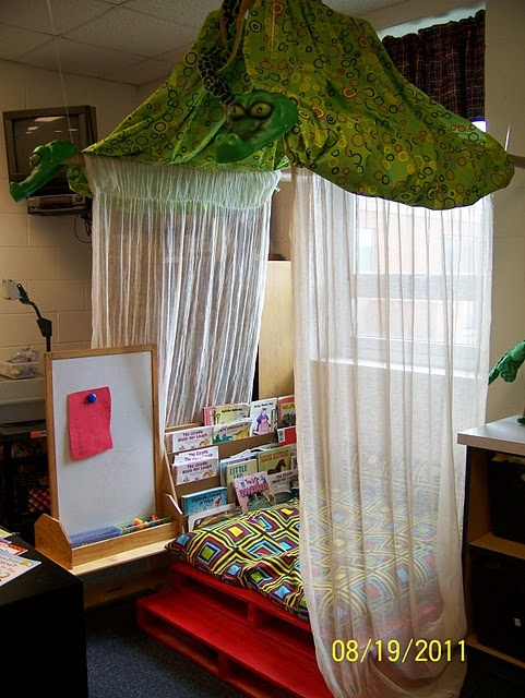 what a great reading nook for the children..if you are a teacher/school please know your students can/should still enjoy these special areas. Head lice spread through head to head contact not by reading!!! Head Hunters the Head Lice Specialist