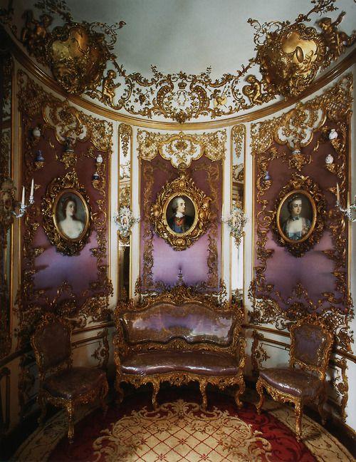 linderhof palace Gilded Grandeur: Rococo and Baroque