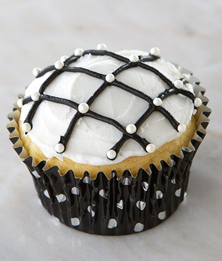 Classic Crosshatch Cupcakes | Cake Mate for Black and White Themed Party Idea