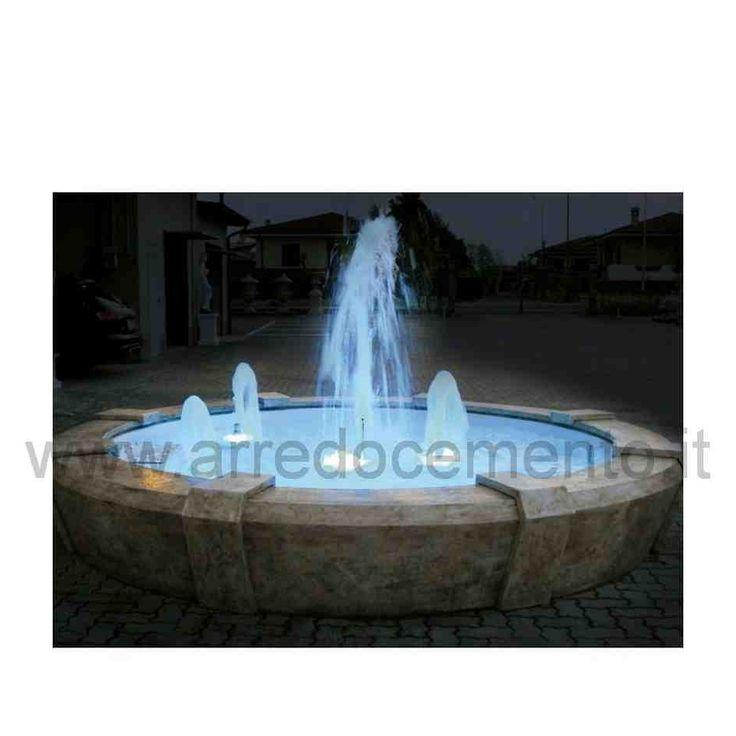 fontana moderna con grandi effetti