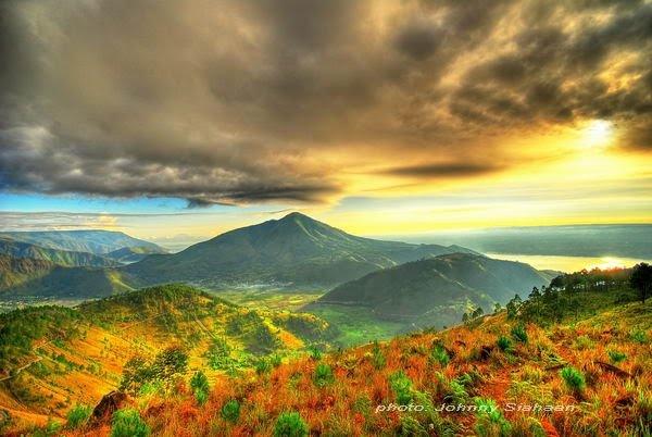 #Toba #SuperVolcano: Pusuk Buhit, North #Sumatra, #Indonesia. Photo by Johnny Siahaan.