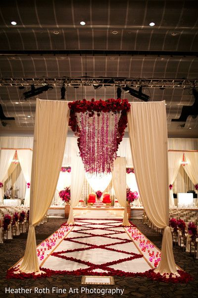 View photo on Maharani Weddings http://www.maharaniweddings.com/gallery/photo/44255